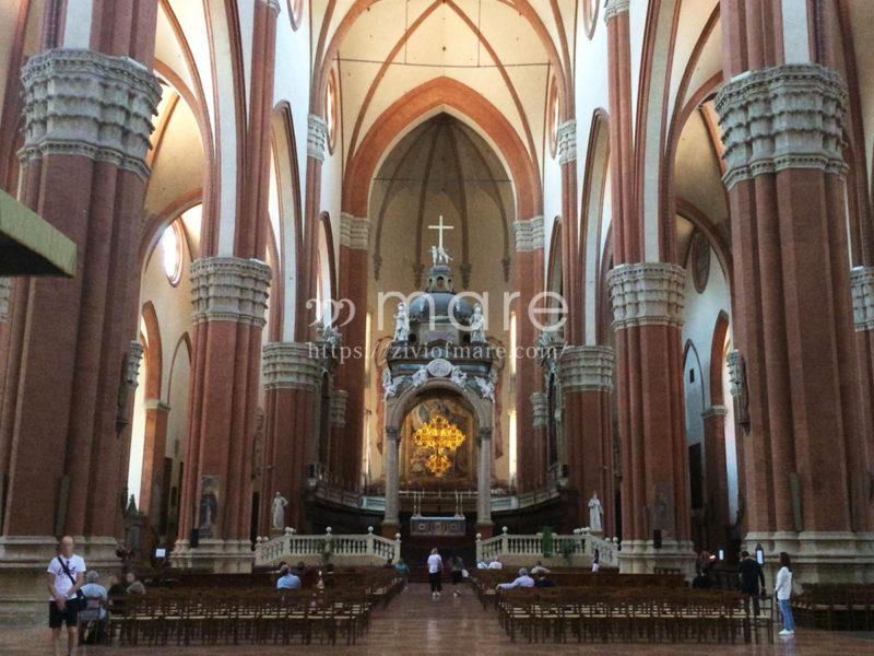 ミラノからボローニャにイタロで日帰り旅行!サン・ペトロニオ大聖堂内