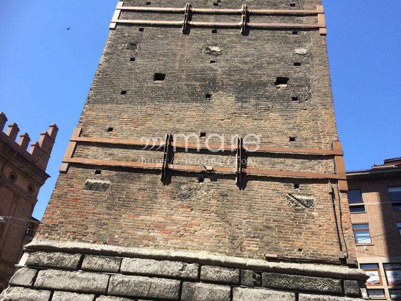 ミラノからボローニャにイタロで日帰り旅行!ボローニャの斜塔4