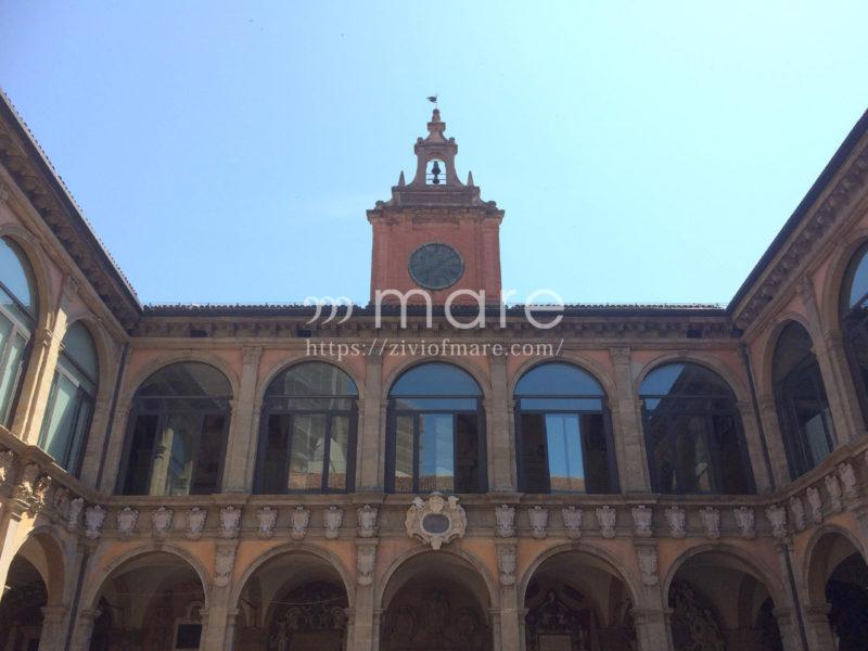 ミラノからボローニャにイタロで日帰り旅行!旧ボローニャ大学1
