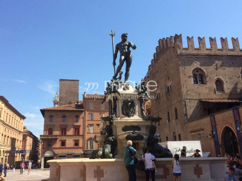 ミラノからボローニャにイタロで日帰り旅行!ネットゥーノ(ネプチューン)の噴水