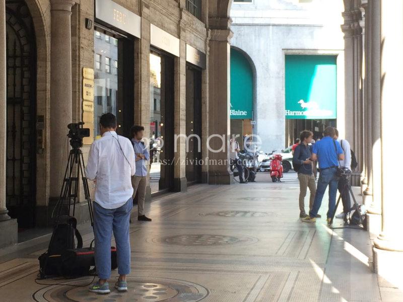 ミラノにユヴェントスストアが7月4日にオープン!ブッフォンも来店カメラクルー