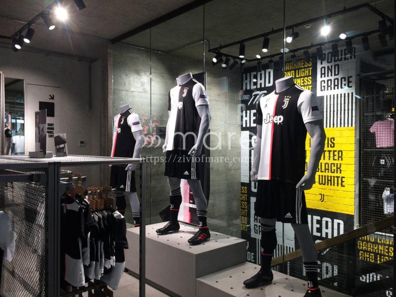 ミラノにユヴェントスストアが7月4日にオープン!店内ユニフォーム
