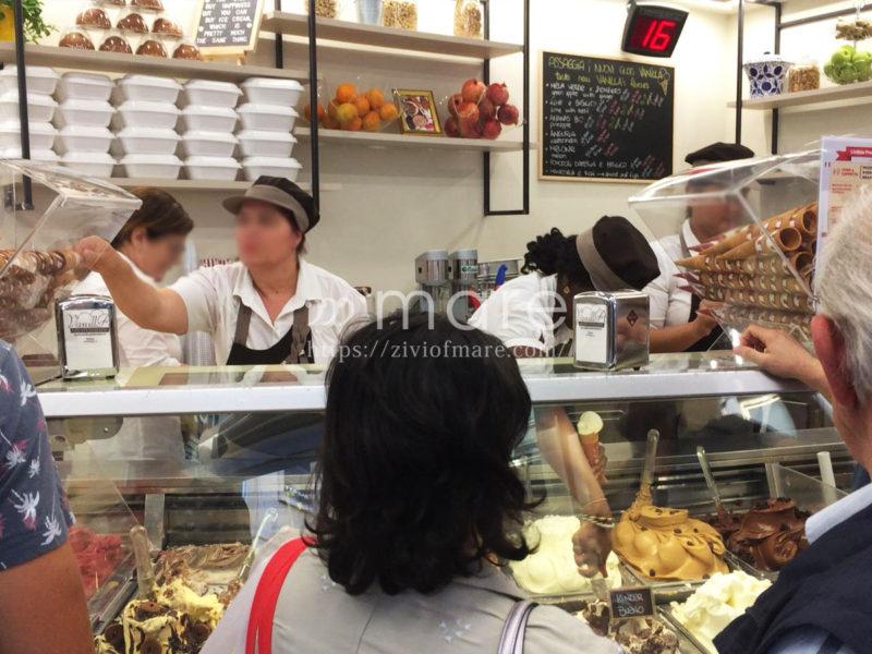 ミラノのドゥオーモ周辺でおすすめのジェラート!Vanilla GELATI ITALIANI店内