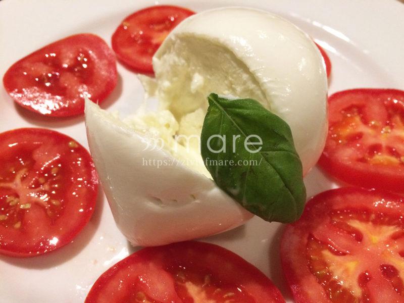 ミラノの郷土料理オッソ・ブーコを大聖堂ドゥオーモ近くで食べるならここ!カプレーゼ